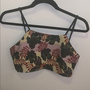 Tops - Fun floral high necked crop top